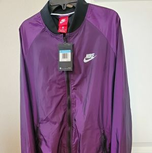 NWT Nike Windrunner bomber jacket size medium